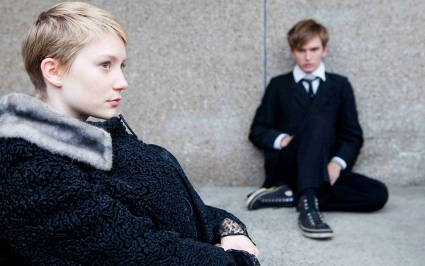 Movie Restless Kyle Leatherberry Mia Wasikowska HD Wallpaper | Background Image