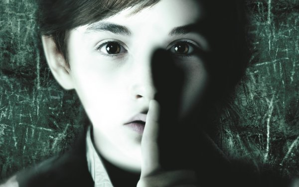 Movie The Awakening (2011) HD Wallpaper | Background Image