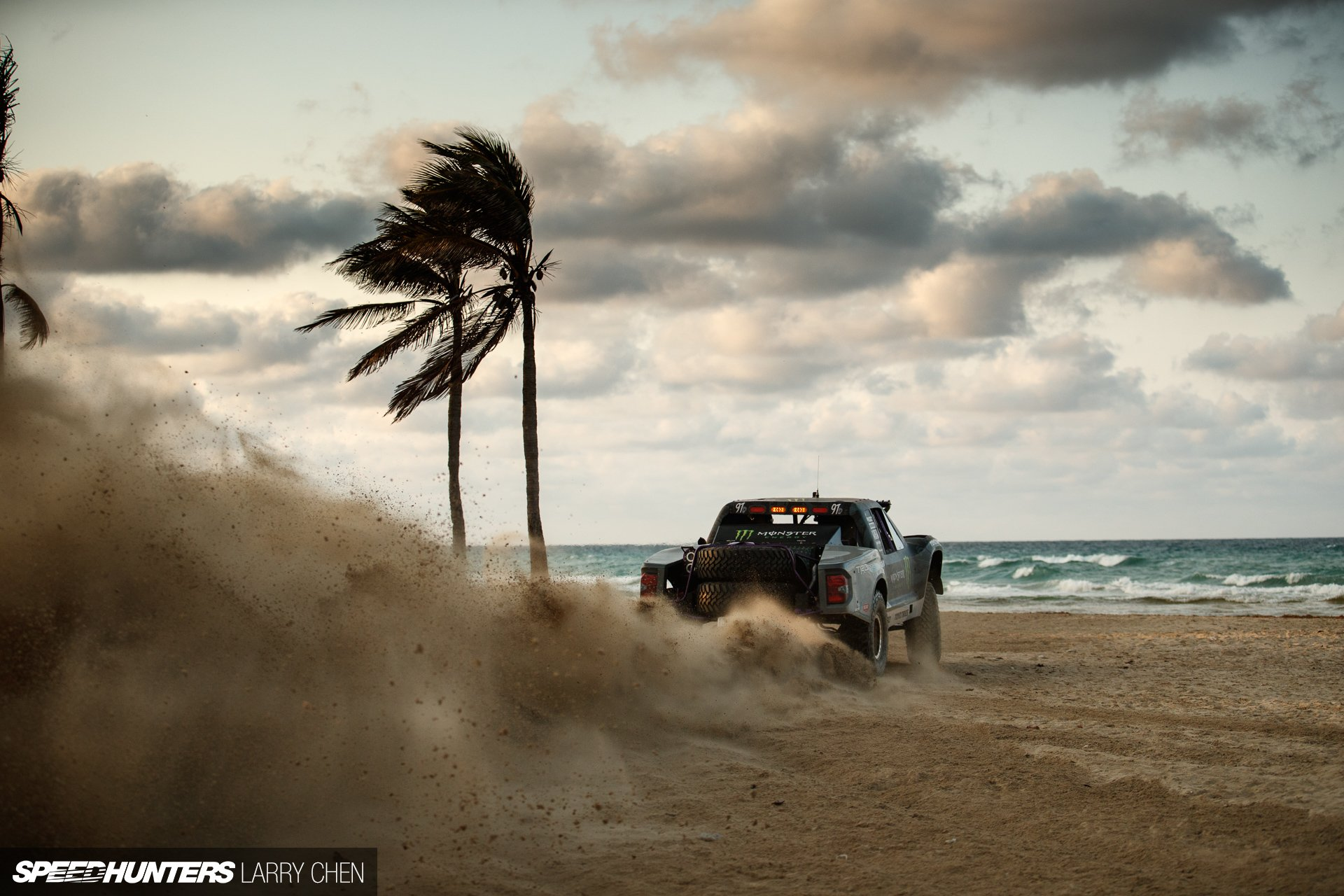 Vehicles - Truck  Sand Beach Ocean Off-Road Horizon Wallpaper