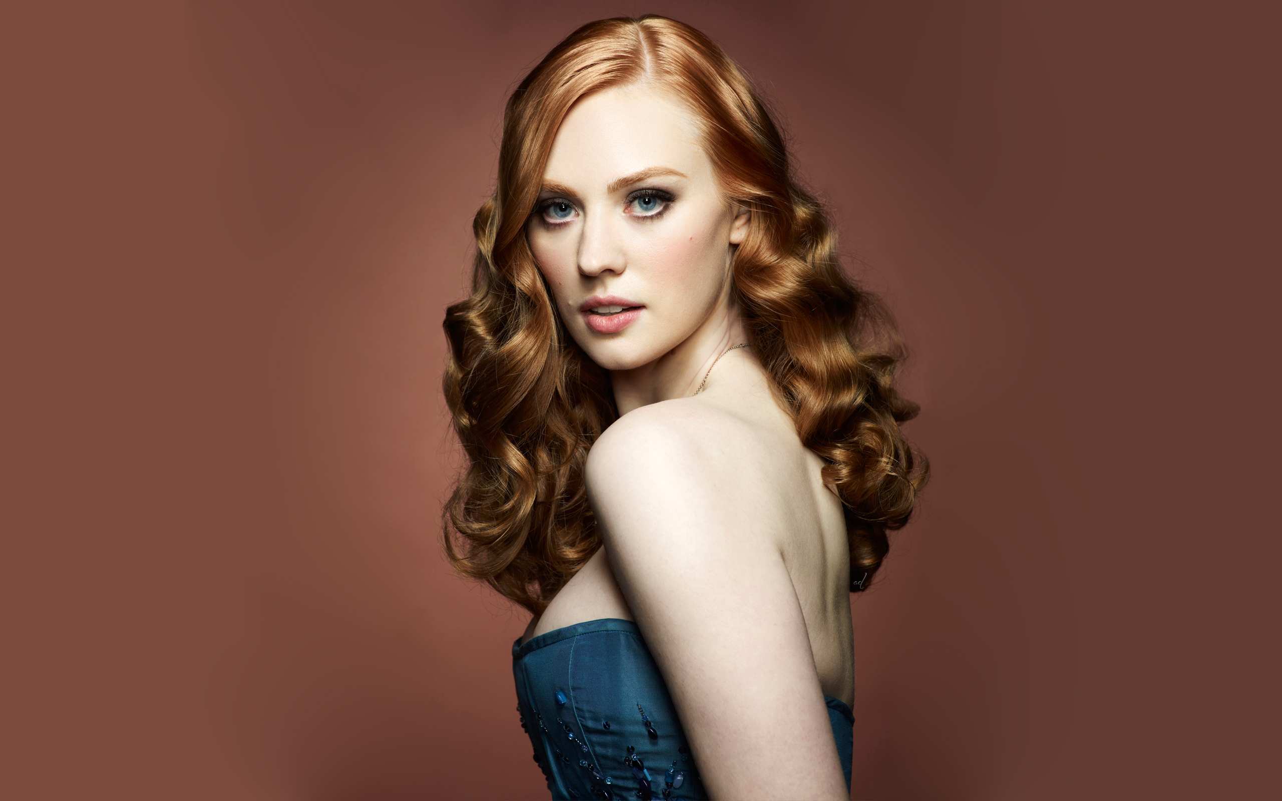 29 Deborah Ann Woll Hd Wallpapers Background Images Wallpaper
