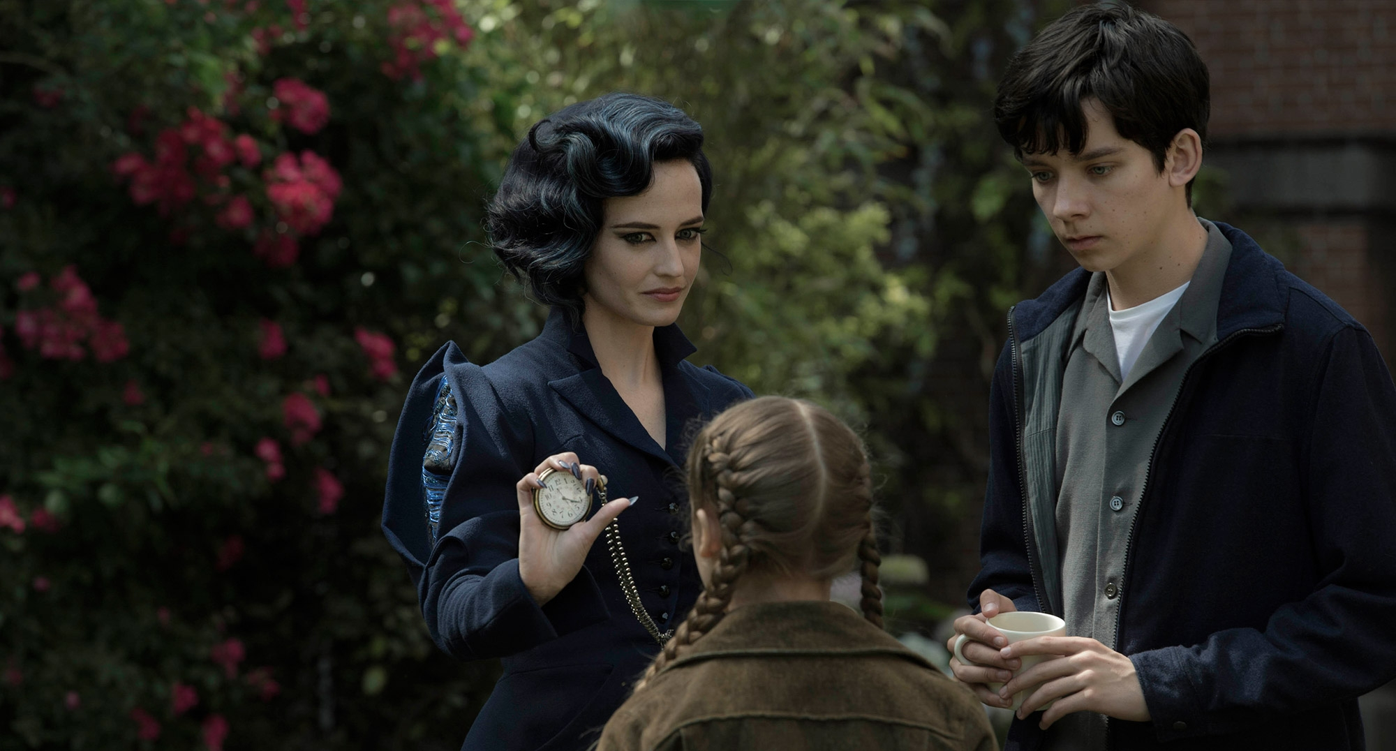 Miss Peregrine S Home For Peculiar Children Wallpaper And