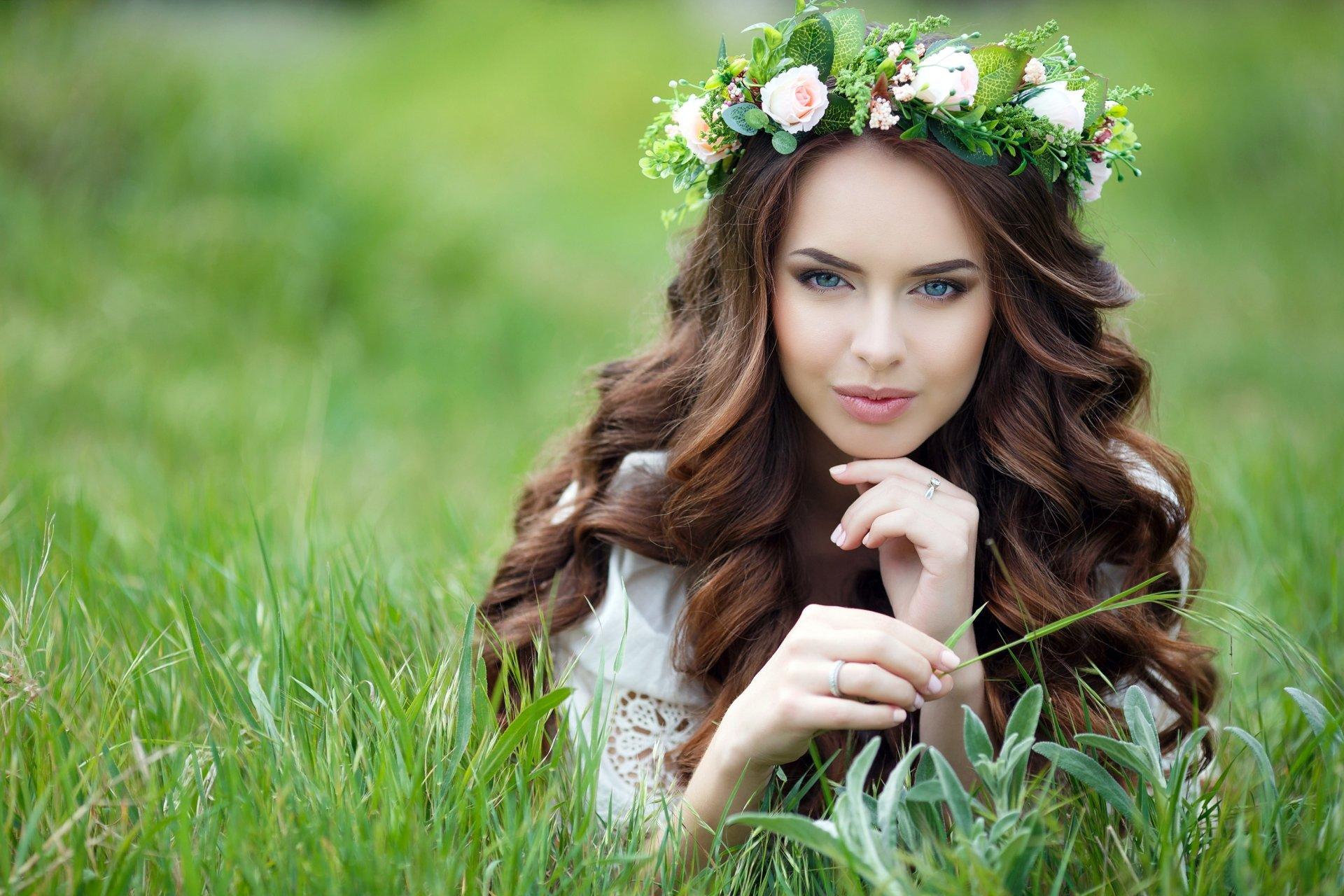 Women - Model  Woman Girl Brunette Wreath Grass Blue Eyes Wallpaper