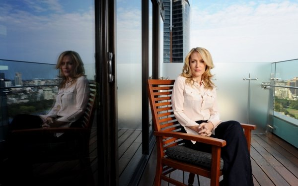 Celebrity Gillian Anderson Actresses United States American Actress Blonde Reflection HD Wallpaper | Background Image