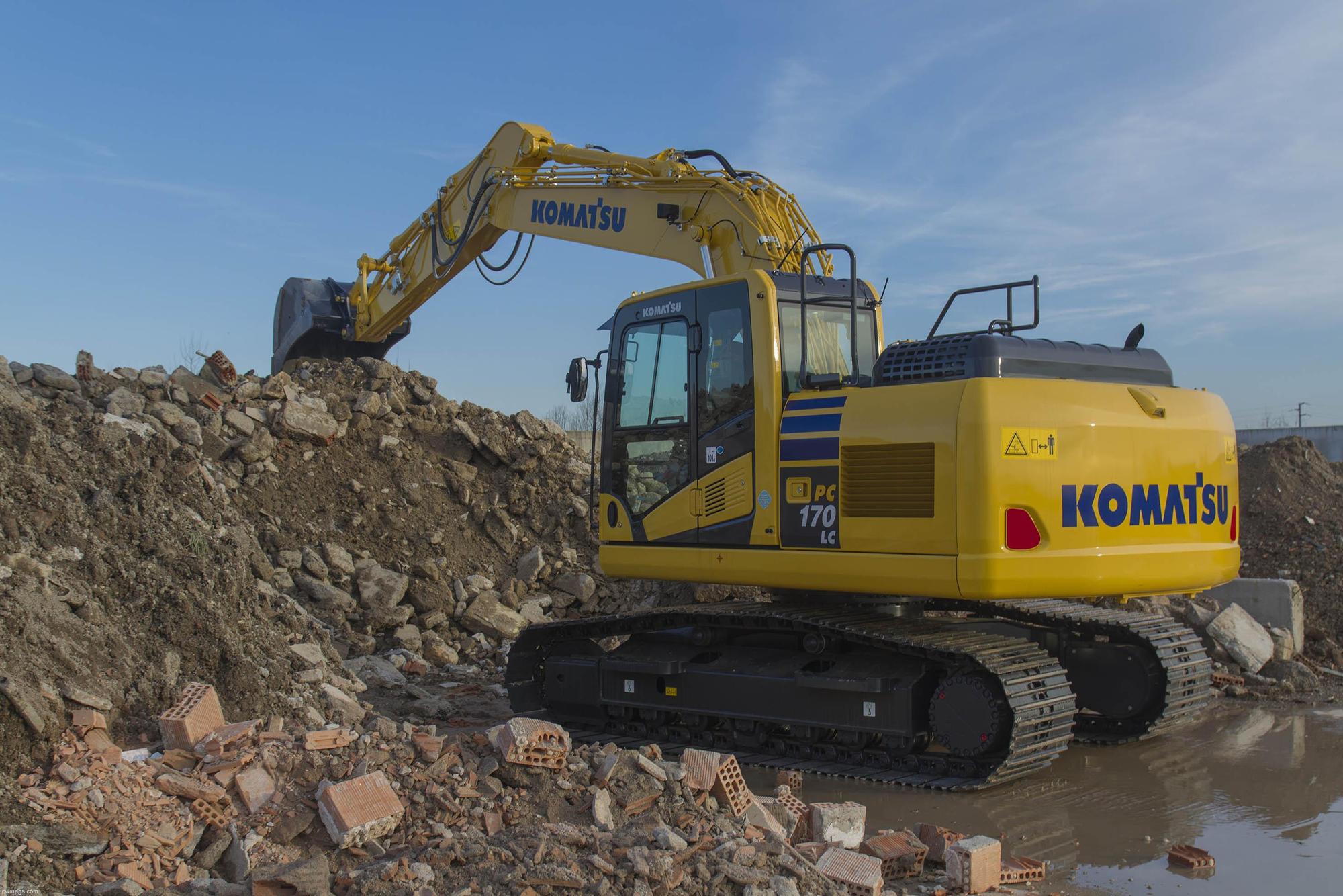 Komatsu PC170LC Excavator